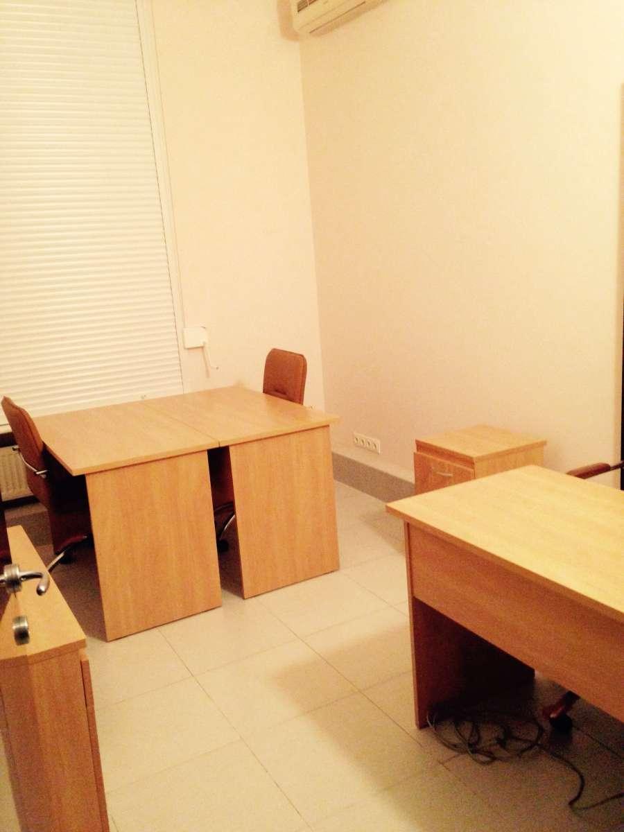 Продаю 5 письменных столов офисных