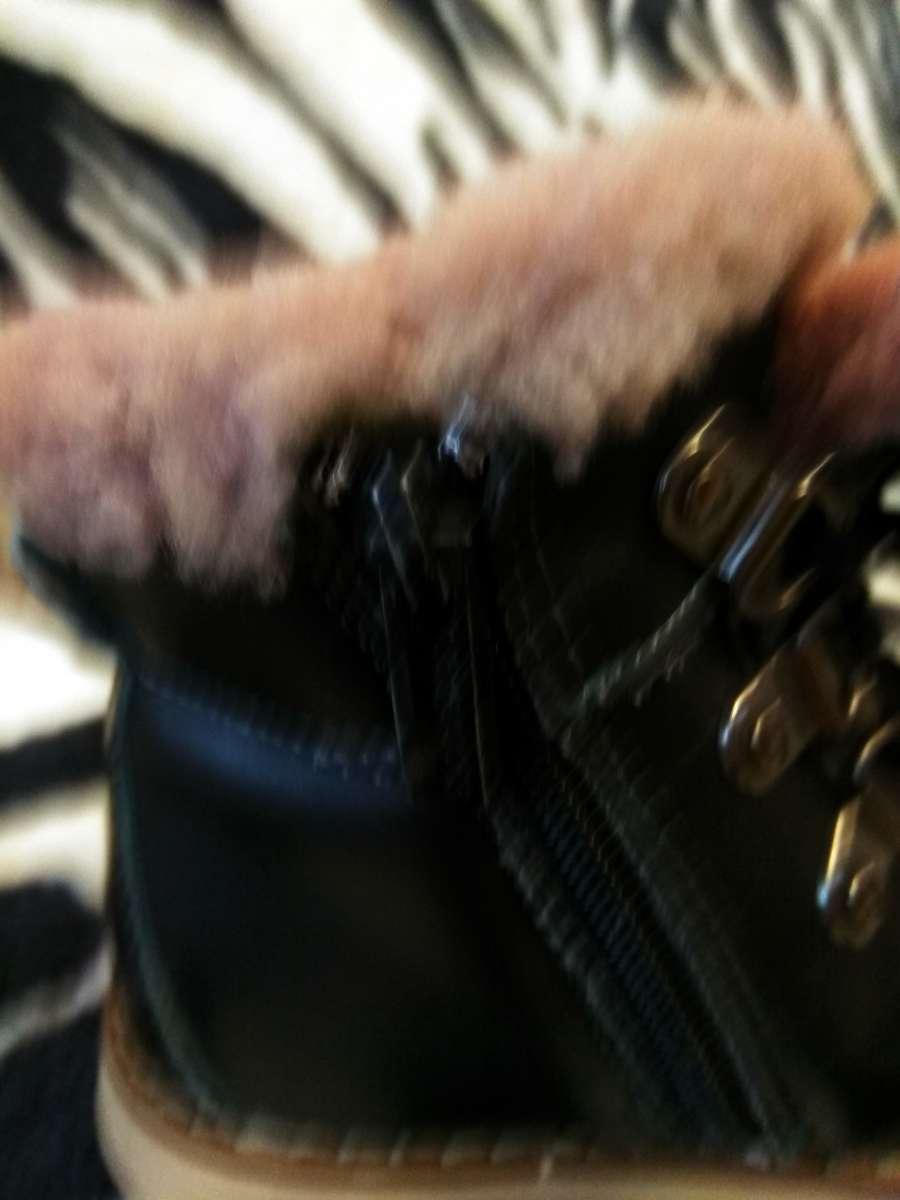 Зимові ботінки  300 грн - Дитячий світ   Дитяче взуття Рівне на Оголоша a2171e297ff8e