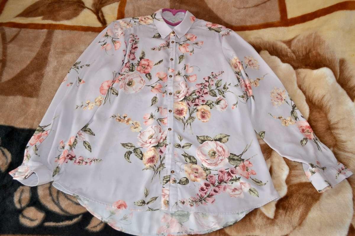 Нарядная блуза с цветочным принтом