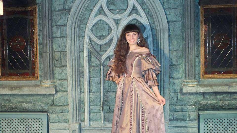 Фотостудия в среднековом замке Abstar Castle