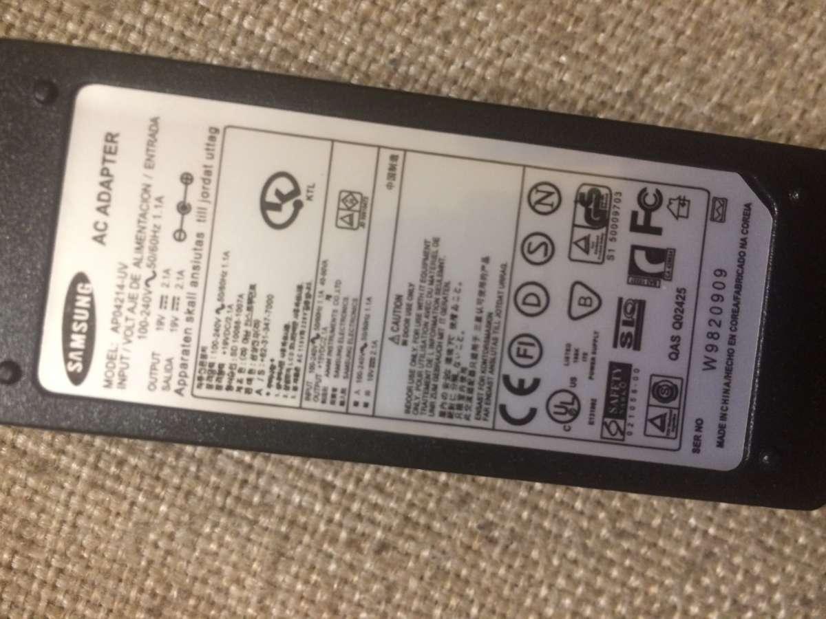 Блок питания на Samsung AP04214-UV 19V 2,1A 5,5*3