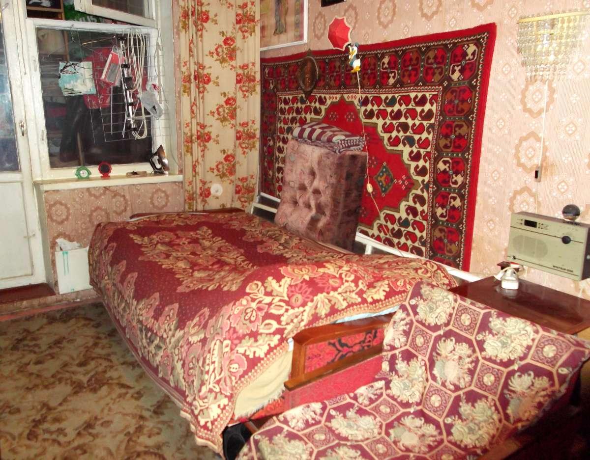 Сдам отдельную комнату (11,5 кв.м.), не курящей женщине (45-55 лет)