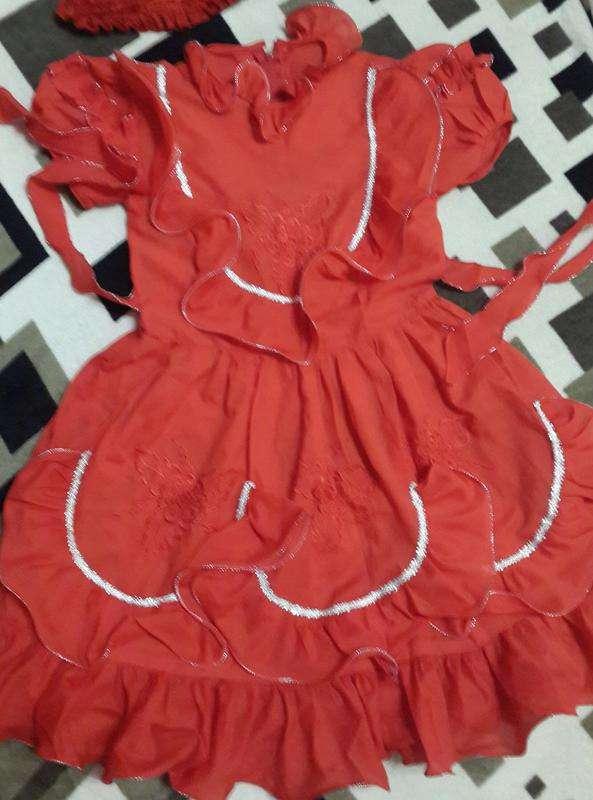 Нарядное платье на 5-7 лет
