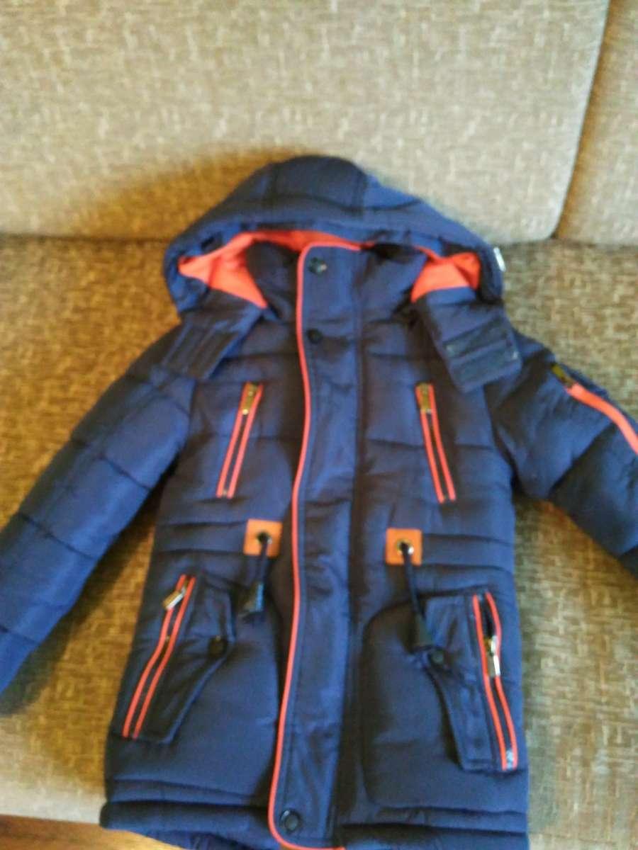 Куртка зимова на хлопчика 5-6 років