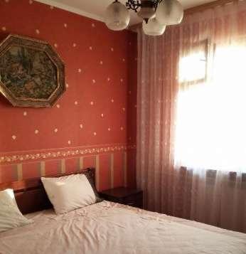 Комната с Большой  кроватью  посуточно