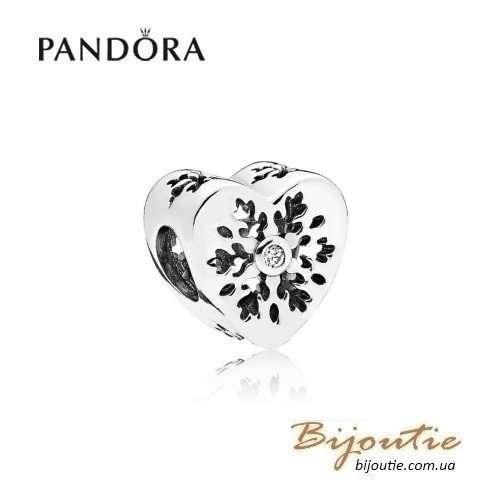 PANDORA шарм ― сердце снежинки 796359CZ