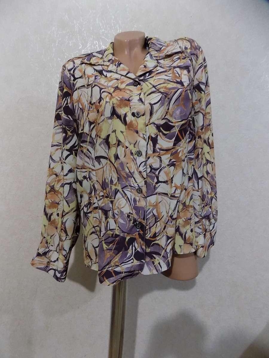 Блузка в узорах фирменная размер 50