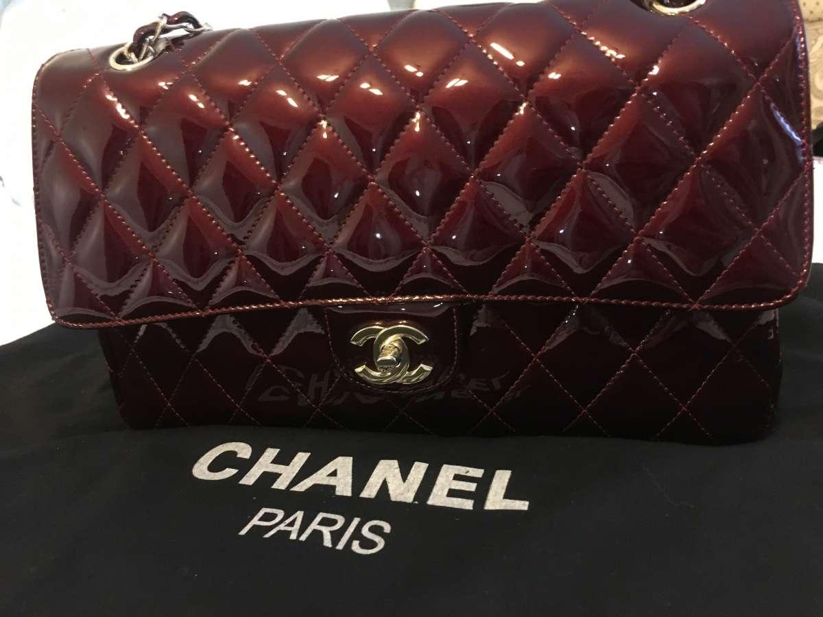 Лаковая сумка CHANEL