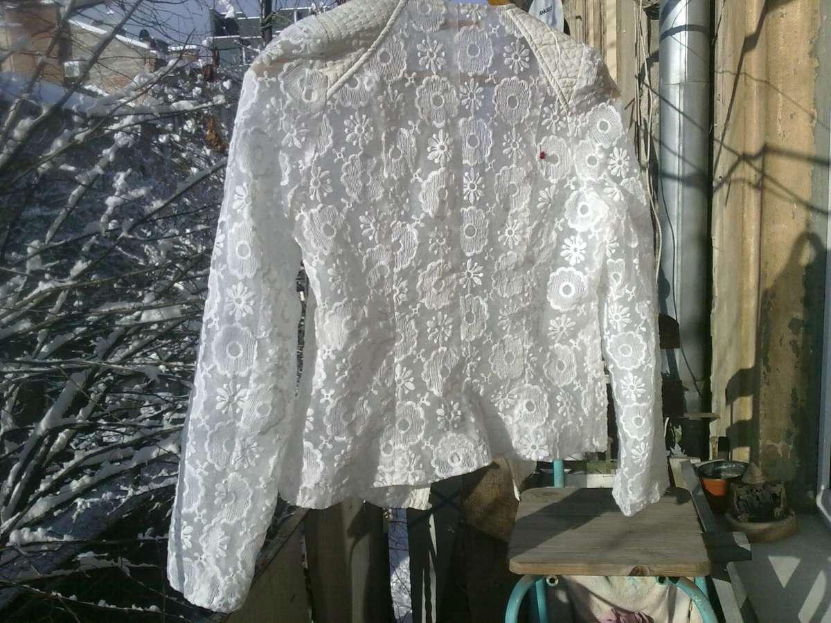 Кофточка - пиджак, гипюровый, цвет - белый, прозрачная с двойной прозр