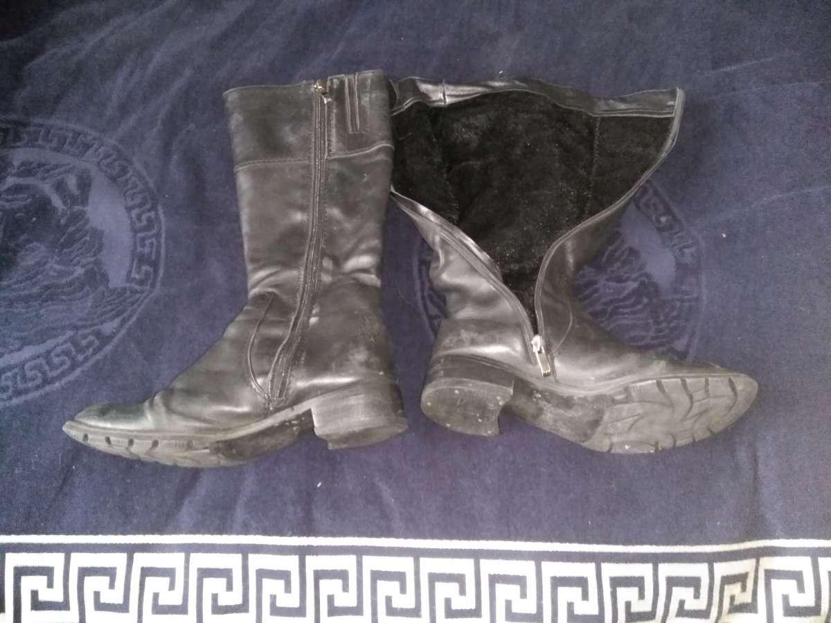 Продам кожаные ботинки 35,36 размер