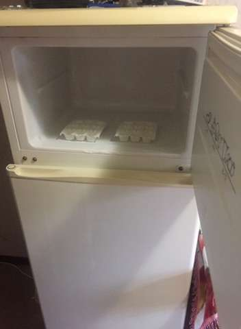 Продам холодильник б/у.В хорошем состоянии.Самовывоз.