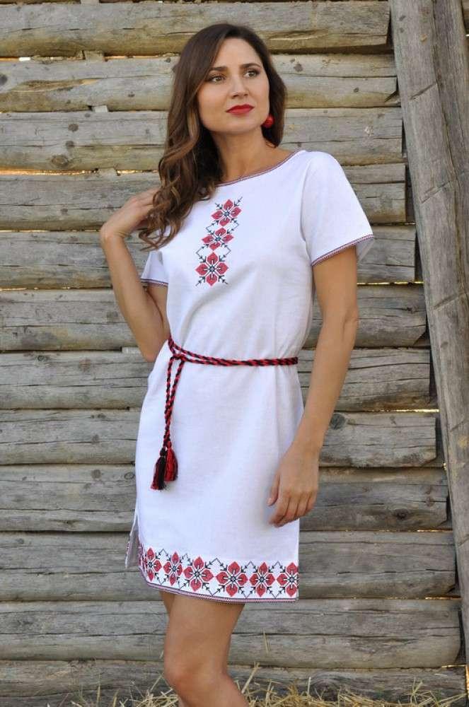 Сукня прямого крою з суцільнокроєним рукавом