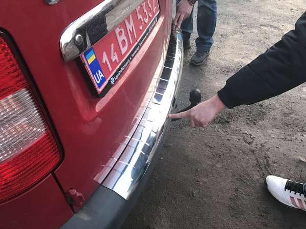 Volkswagen Caddy 04-16 Хром накладка на задний бампер