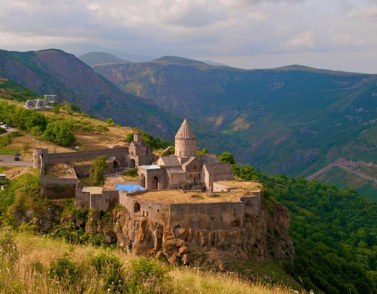 Групповой экскурсионный тур в Армению на майские праздники