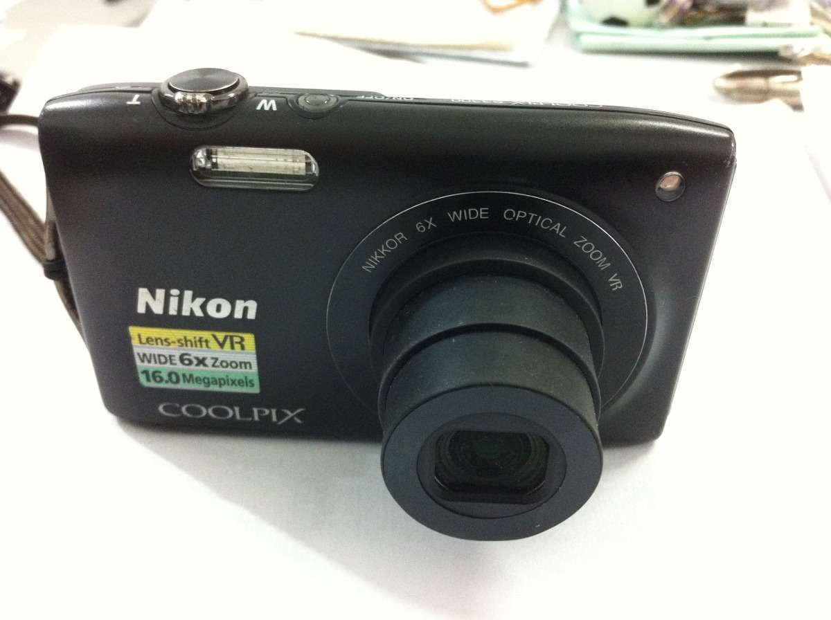Цифровой фотоаппарат Nikon Coolpix S3300 - 16 Mп. - HD - в Идеале !