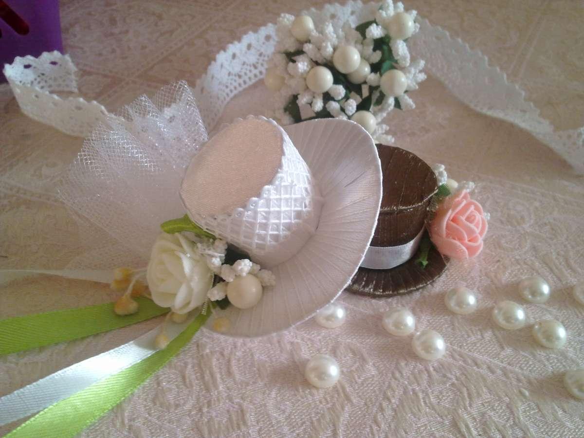 Шляпки на свадебное шампанское