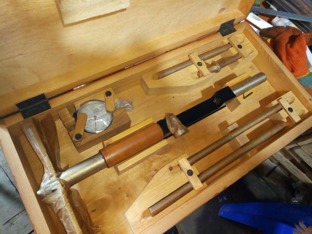 Нутромеры, штангели, рулетки, манометры, токарный инструмент