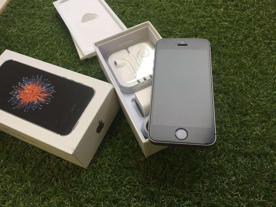Гарантия! Apple iPhone SE, 16GB, Space Gray, Neverlock, Магазин!