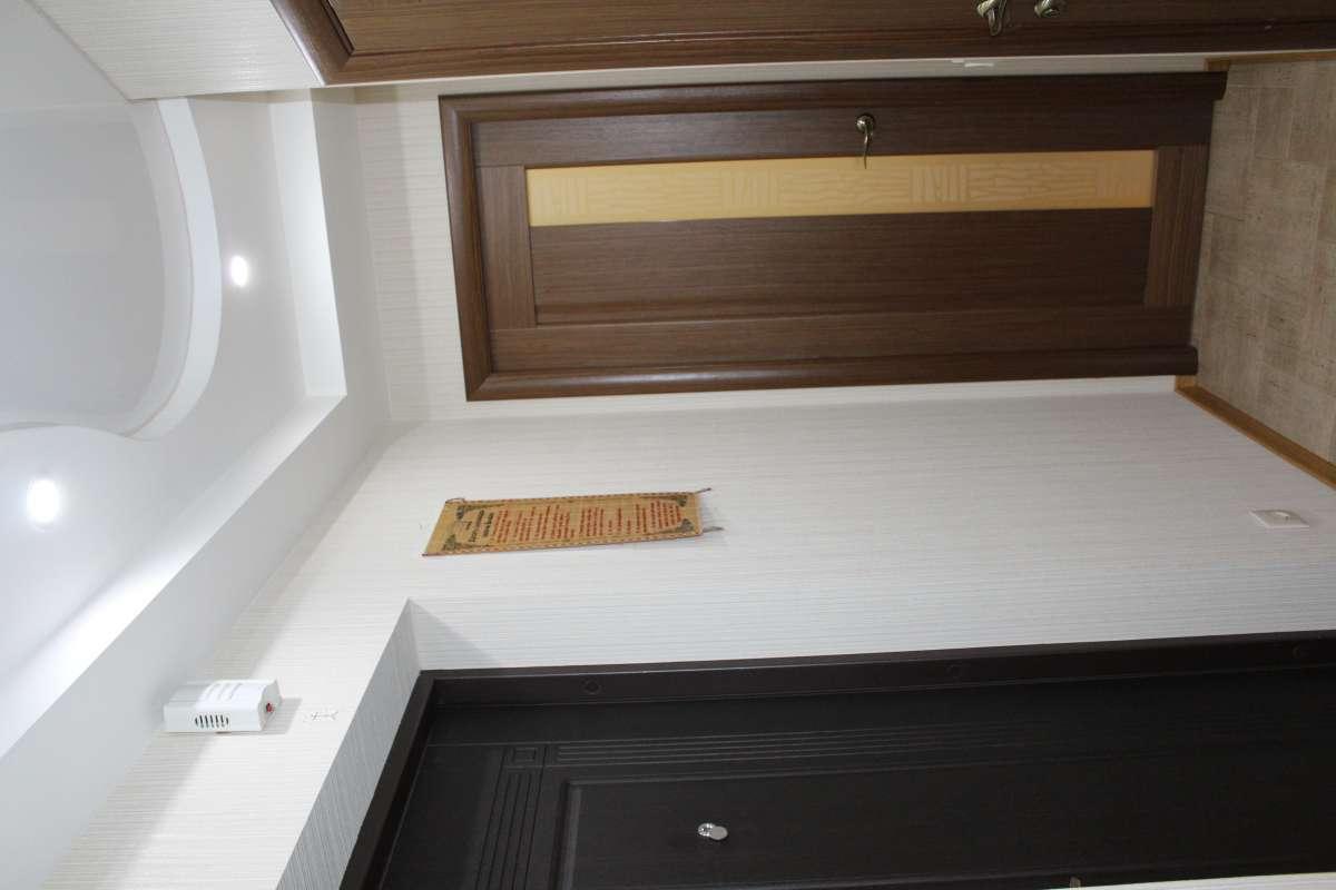 Продається двокімнатна квартира по вул.Маршала Жукова 45 А