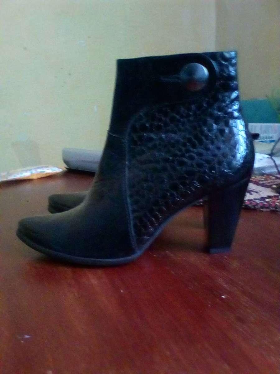 Продам черевички шкіряні - Мода і стиль   Одяг  взуття Тисмениця на ... e0ee78814ddc2