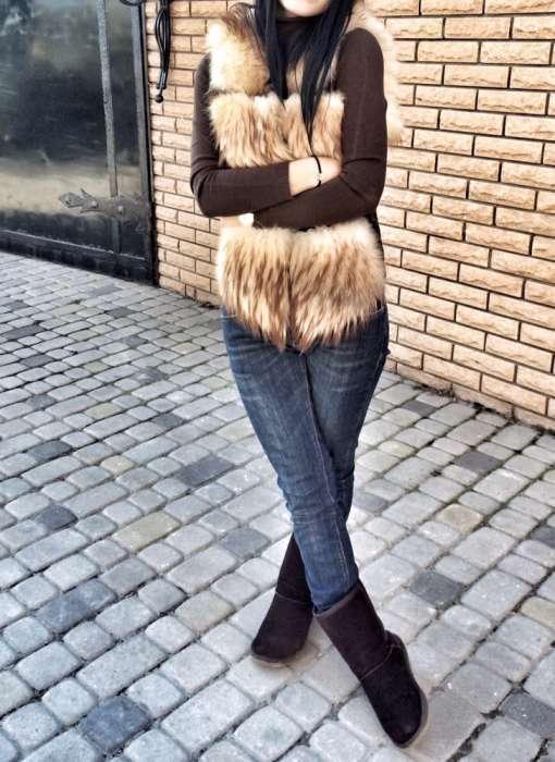 Продам меховую жилетку с лисы