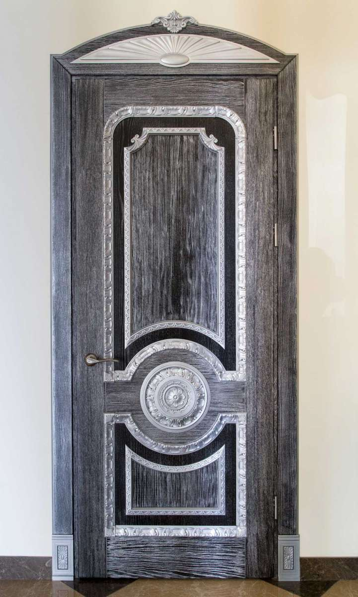Межкомнатные двери  Готика