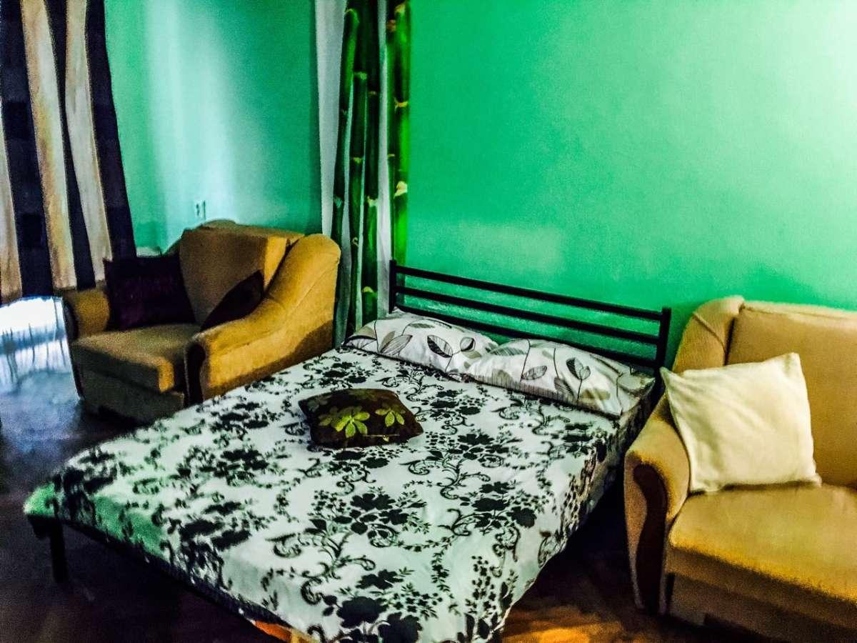 Посуточно 1 комнатная, 2минуты м.Демеевская, Голосеево