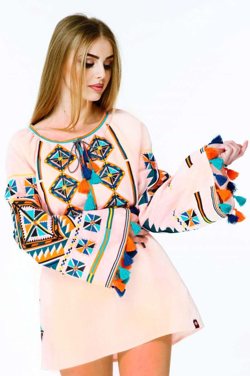Вишиванка туніка жіноча вишита сорочка