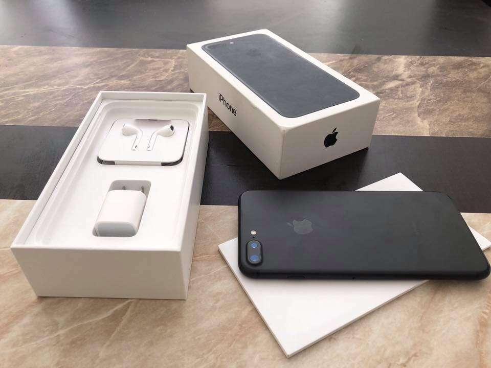 IPhone X ...x $855