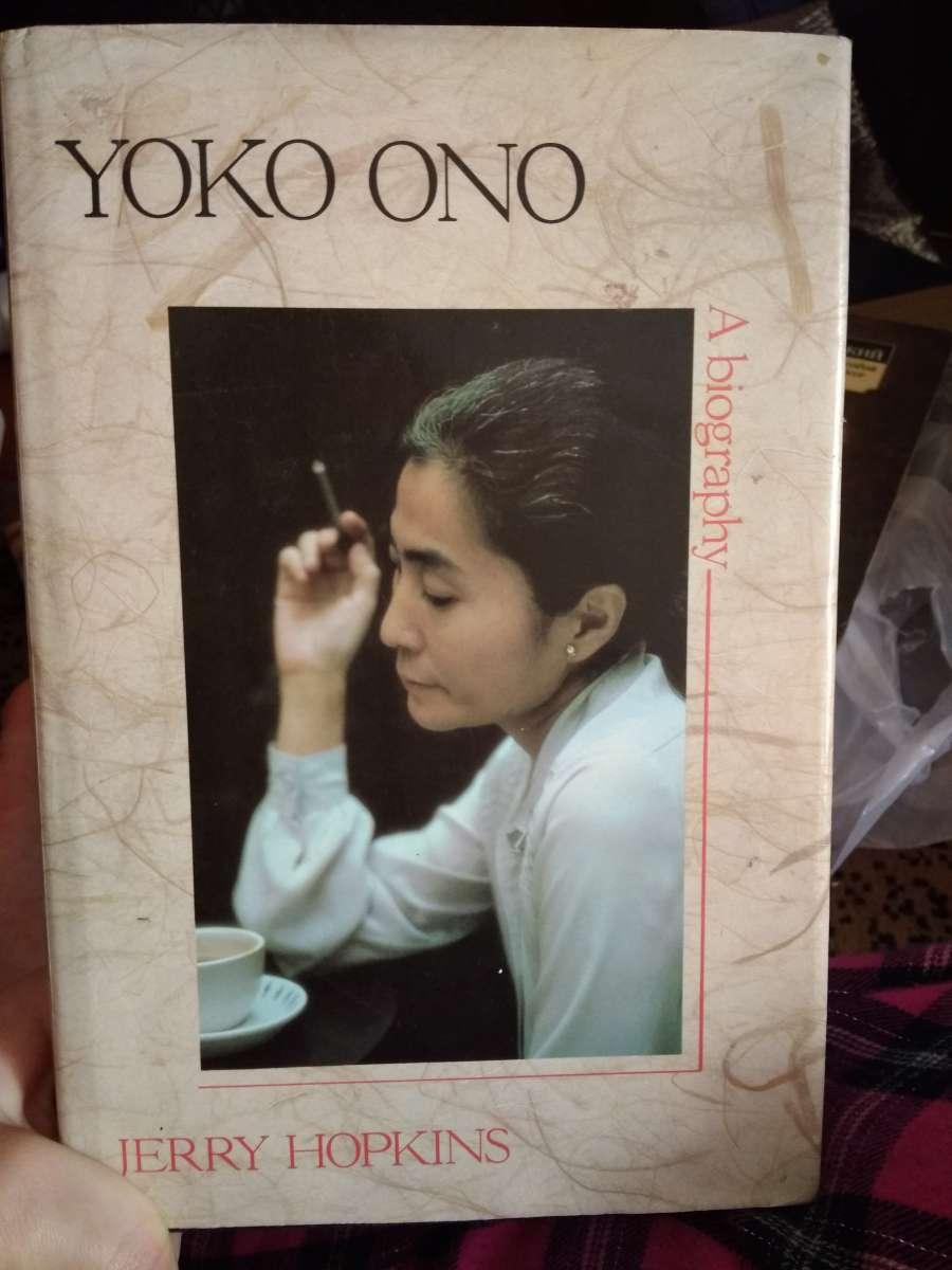 Биография Йоко Оно на английском