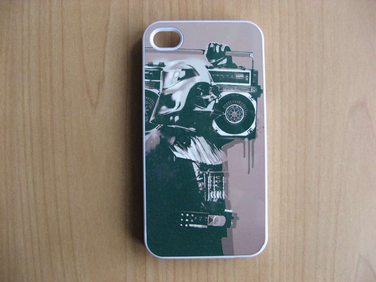 Продаю чехол на IPhone 4/4s с изображением
