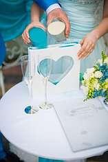 Рамка и цветной песок для свадебной песочной церемонии