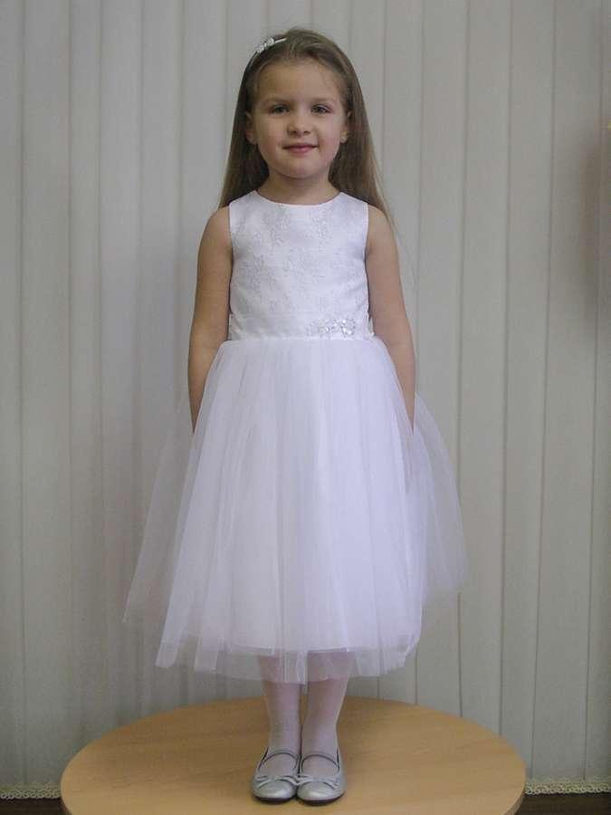 Нарядное платье на 3-4-5 лет