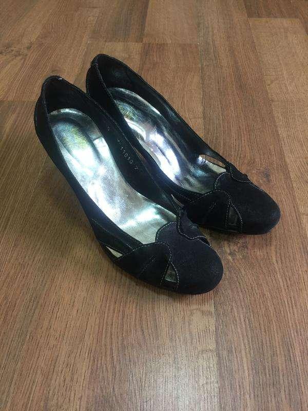Босоножки, туфли, каблук, натуральная кожа, нюанс
