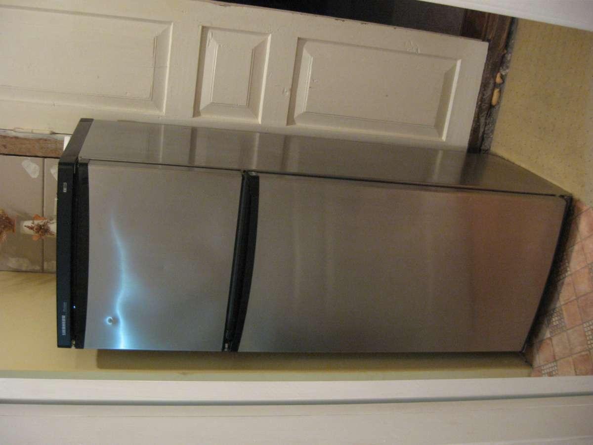 Холодильник Liebherr б/у продаю