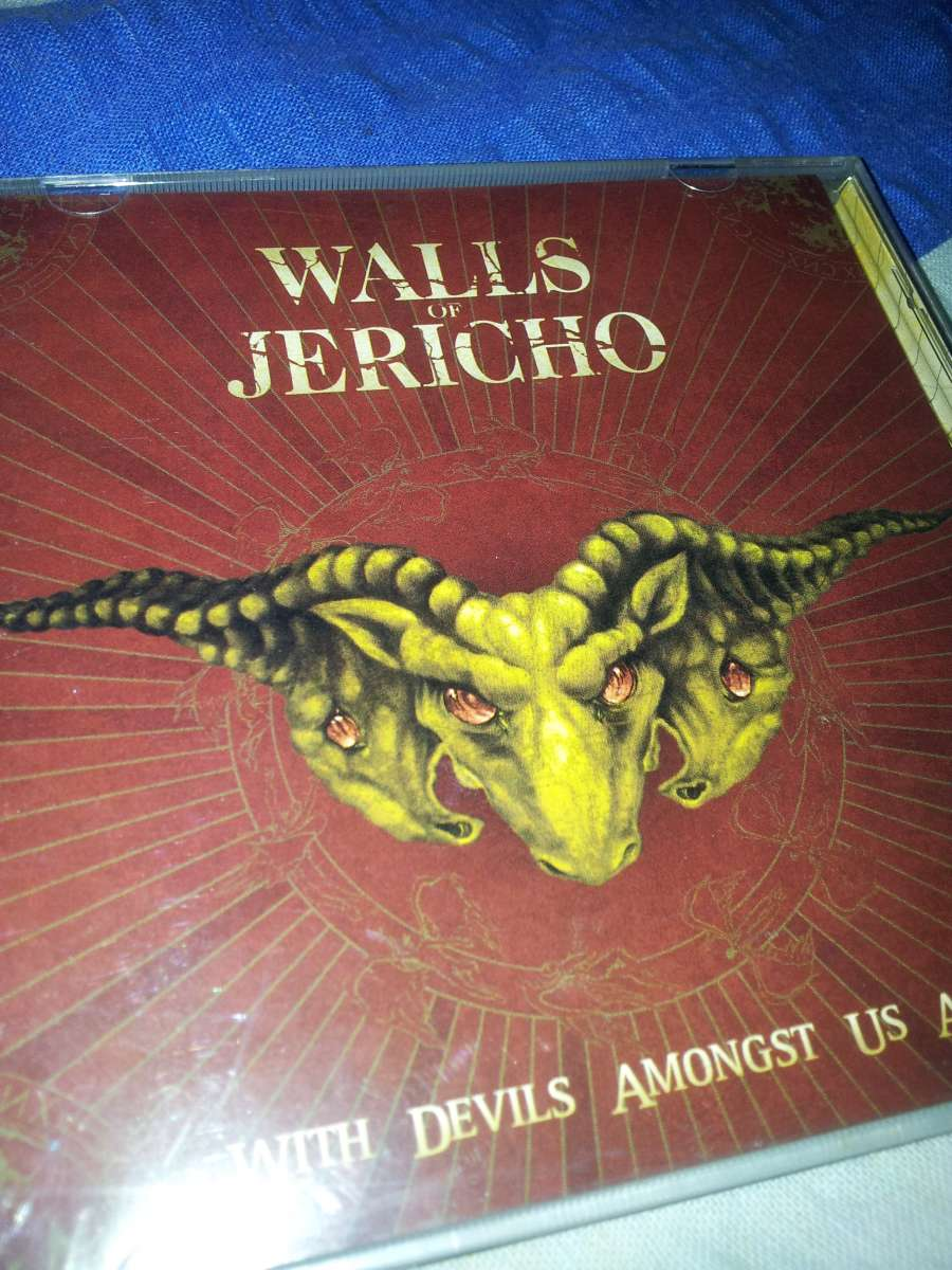 CD Walls Of Jericho - With Devils Amongst Us All - 2006. (Лицензия)
