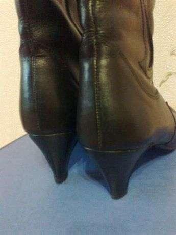 Шкіряні чоботи 36-37 р
