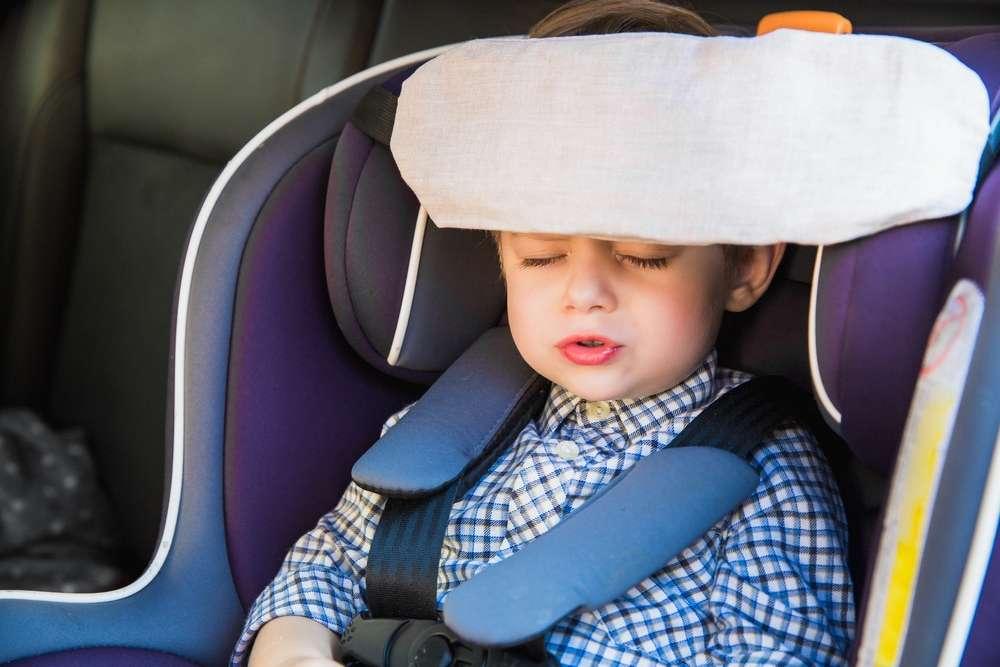 Льняная повязка для сна в автокресле