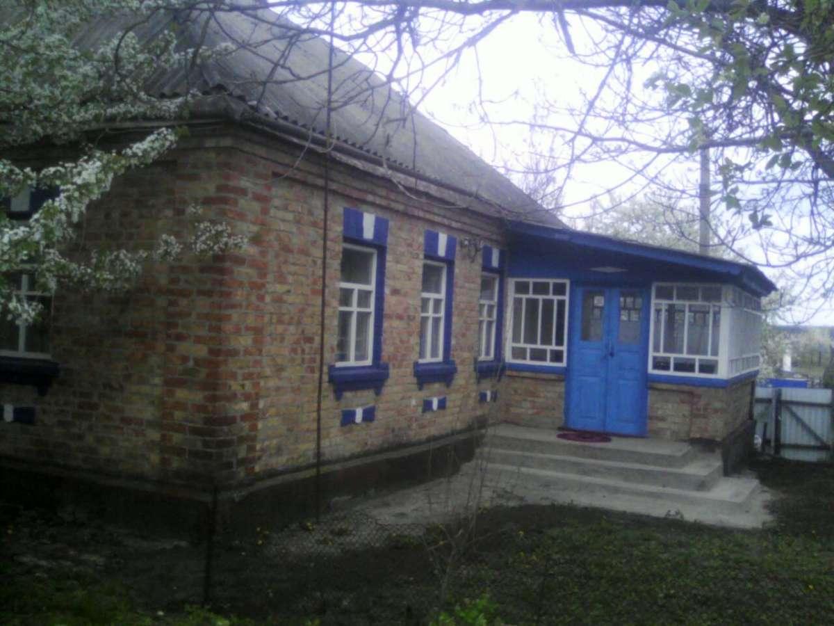 Продам будинок в с.Степанці Канівського р-ну