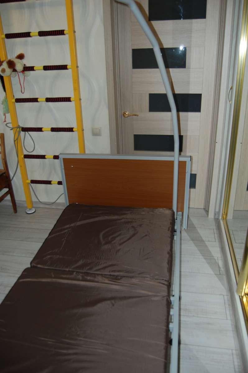 Кровать трансформер с электроприводом и пультом.