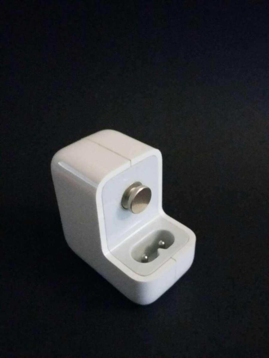 Продам Блочек Apple Adapter 10W USB