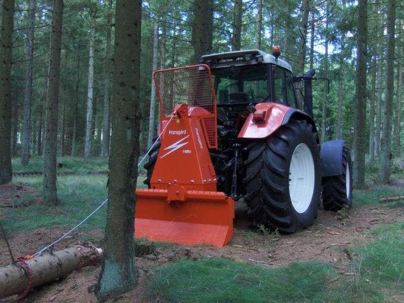 Тракторист в лесное хозяйство в Эстонию