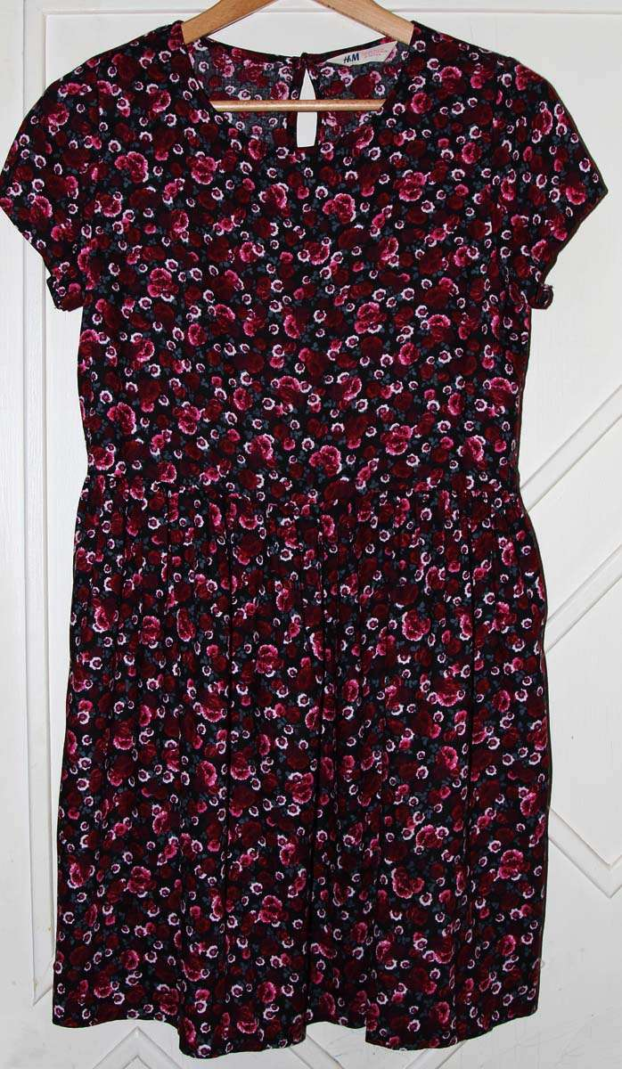 Красивое платье H&M на девочку, новое, без бирки, р. 158.