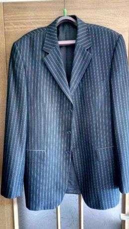 Продам недорого шерстяной костюм 54/8 в полоску