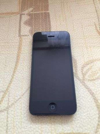 Телефон Iphone 5 16gb black хорошее состояние
