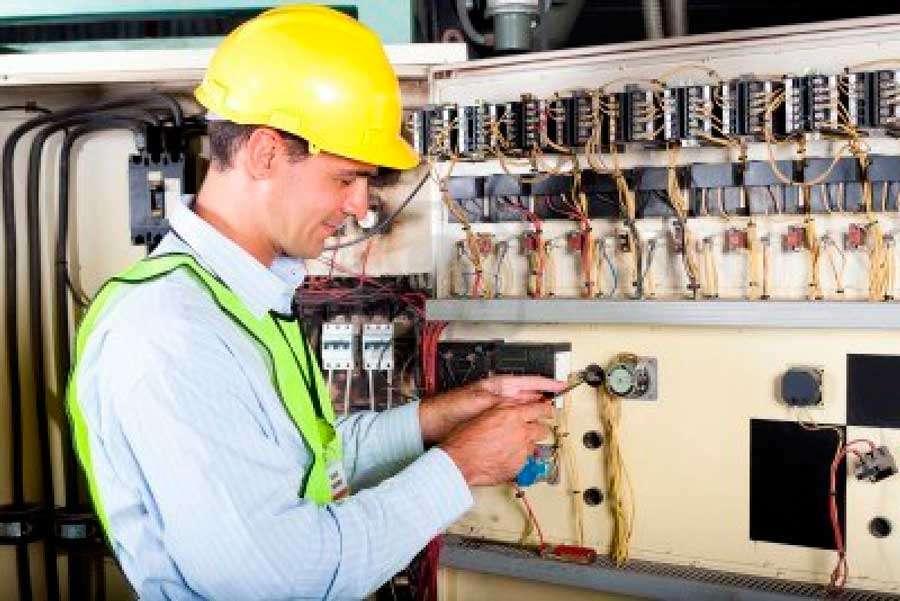 Требуется електромеханик для работы в Польше