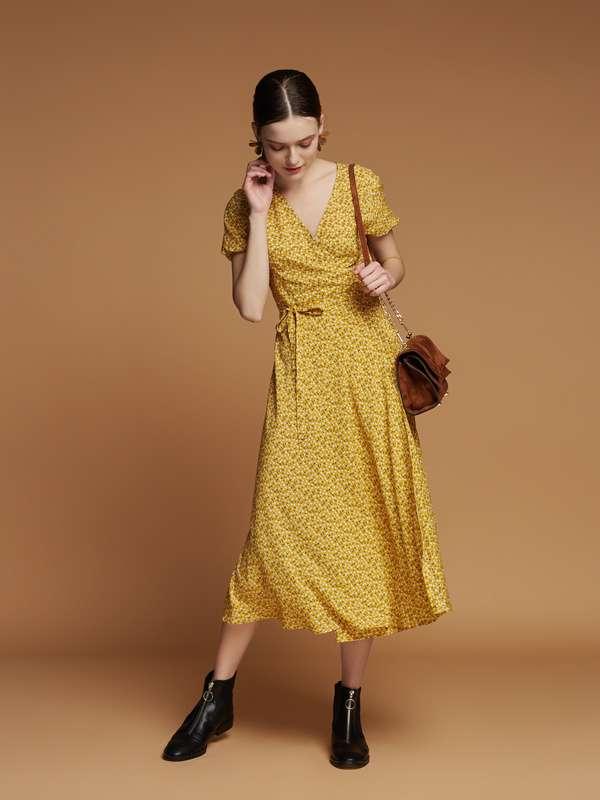 Плаття на запах з вишнями