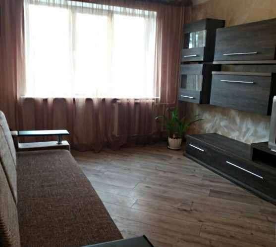 Аренда 3 квартиры по  пр-т Глушкова 16