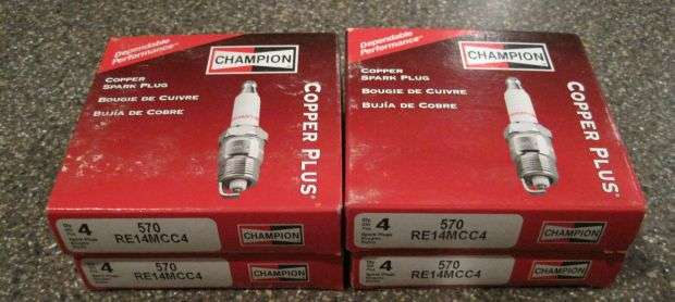 Продам свечи Champion Copper Plus RE14MCC4 для HEMI 02-08 Dodge RAM