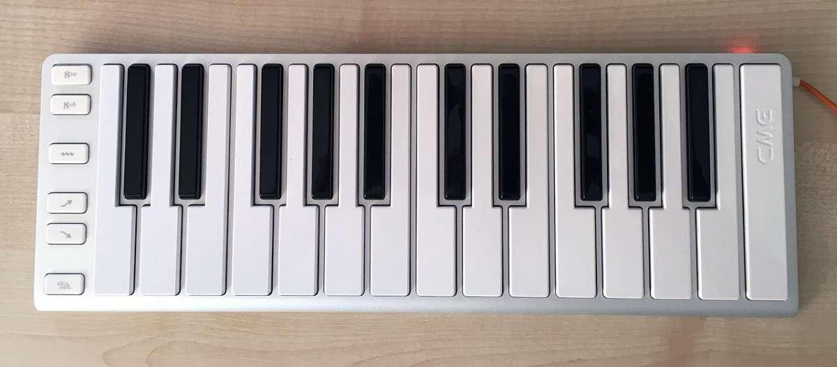 CME Xkey MIDI клавиатура